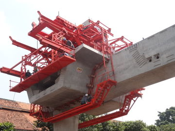 Çin Custom Bridge Beam Segment Lifter With Electric Winches Distribütör